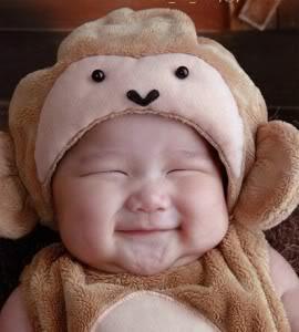 bayi-orang-senyum