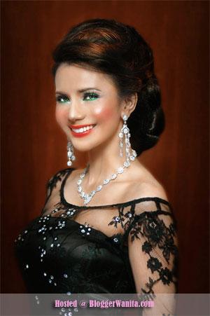 Rozita che wan memang pelakon wanita cantik dan seksi