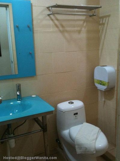 toilet-hotel-yaho
