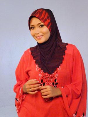 gambar Siti Nordiana memakai tudung