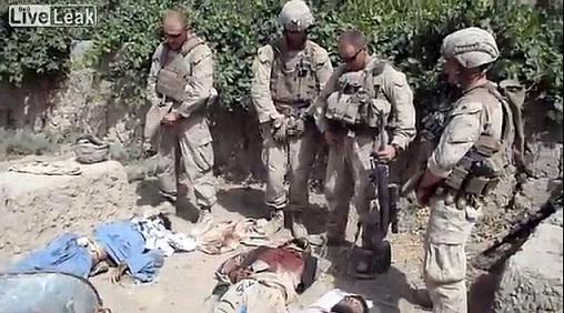 askar-marin-amerika-kencing-taliban