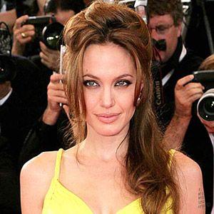 Gambar seksi Angelina Jolie