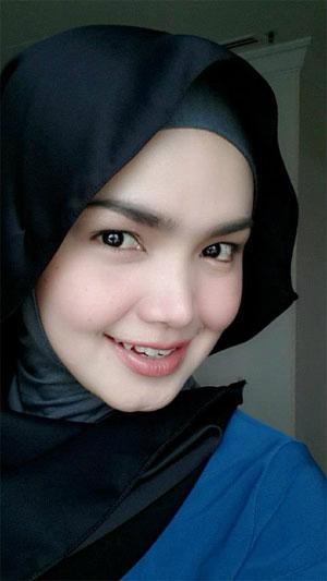 Datuk Siti Nurhaliza pakai hijab