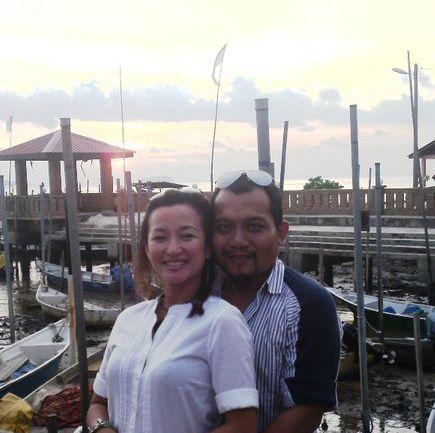 Gambar Nouri Ramli bersama suaminya